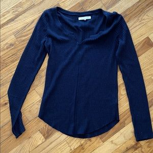 Navy waffle top - M